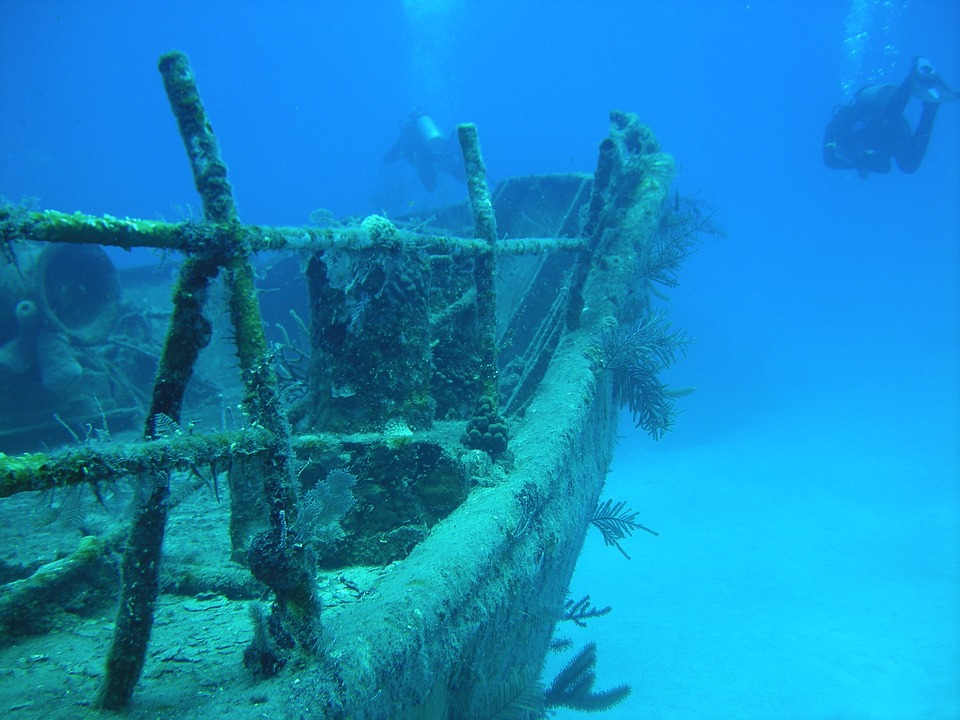 Scuba diving in Bahamas