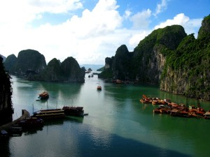 Visit Vietnam - Ha Long Bay
