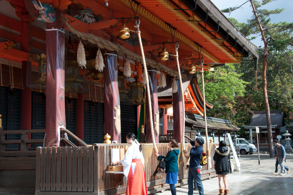 A Shinto Shrine Guide 8 Things You Will Find Inside a Shinto Shrine in Japan (7)