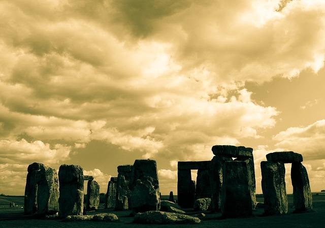 Visit England - Stonehenge