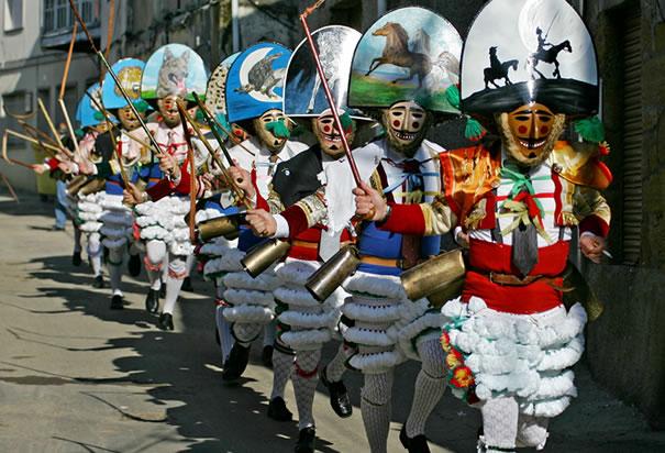 Weird Festivals - Entroida (Peliqueros)