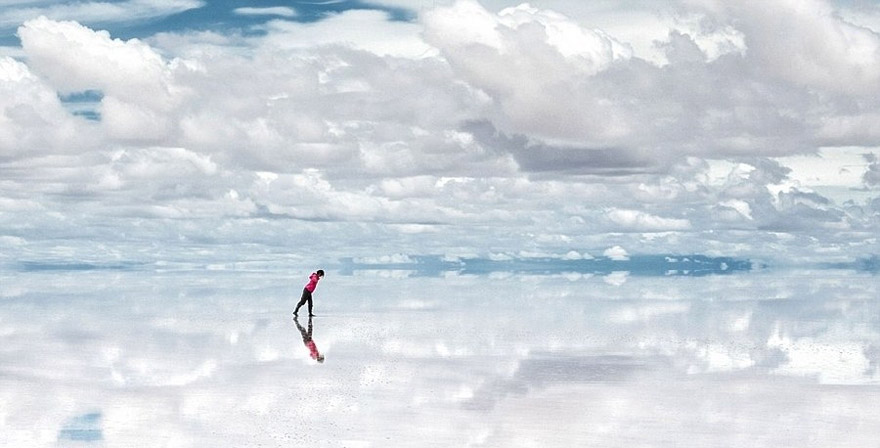 Salar de Uyuni : One of the World's Largest Mirrors, Bolivia