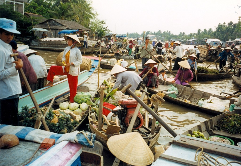 CanTho Floating Market River Delta
