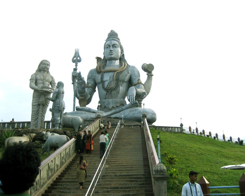 Murudeshwar Temple - places to visit in karnataka