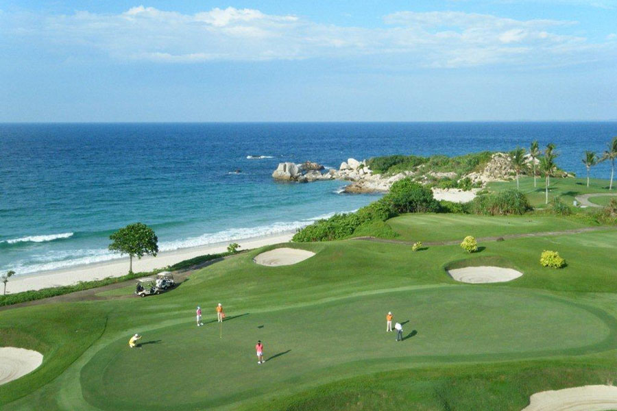 Bintan golfing